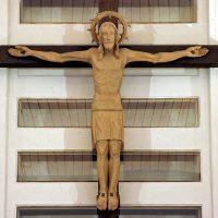 Kruzifix aus Lindenholz von Magnus Walk, Rosshaupten 1971