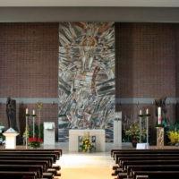 Die Wiederkunft Christi mit Symbolen aus der Geheimen Offenbarung, Mosaik von Br. Benedict Schmitz OSFS, 1996
