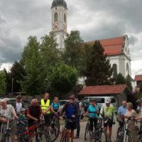 Am Sonntag 7. Juli trafen sich ca. 100 interessierte Radfahrer bei der alten Schule in Bertoldshofen